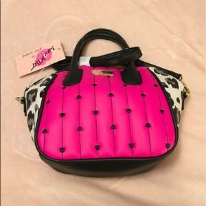 🆕👛LUV BETSEY Hot Pink & Black Crossbody Bag 👛
